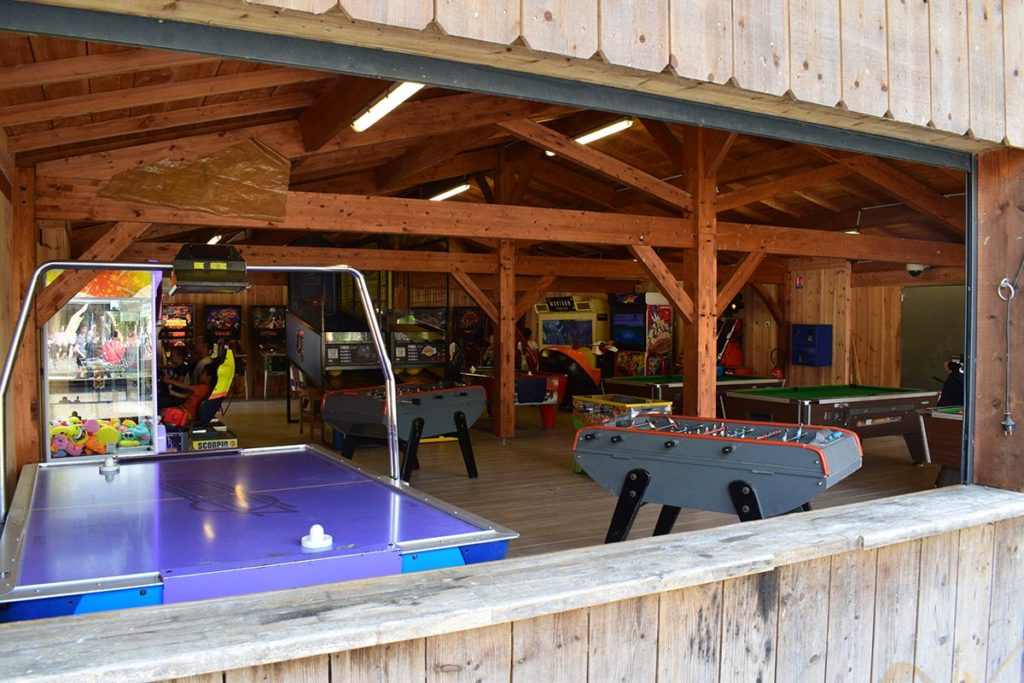 Camping Domaine De La Rive Arcade Games