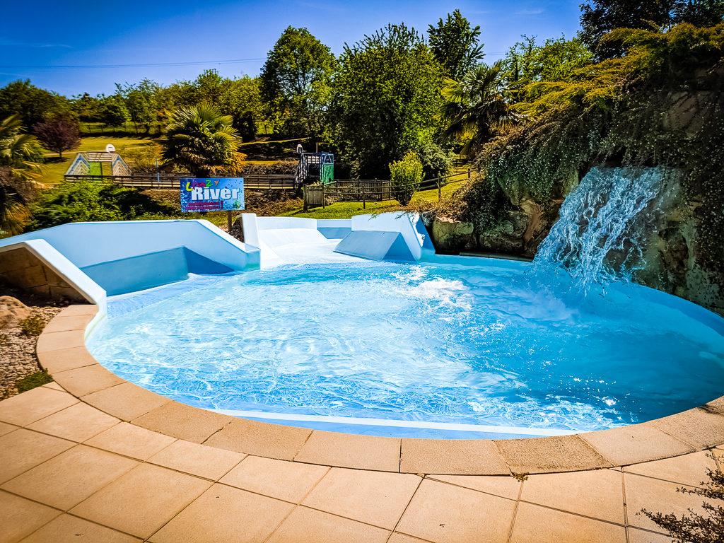 crazy river pool at saint avit loisirs
