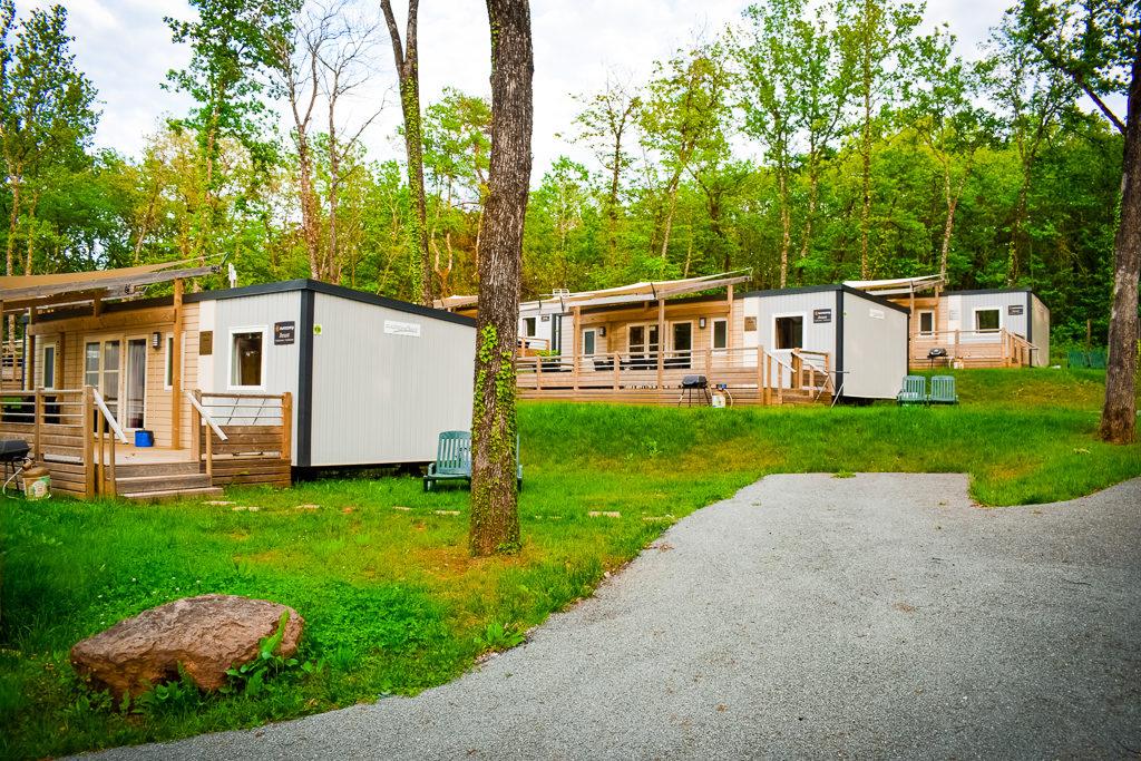 plenty of space between mobile homes at saint avit loisirs
