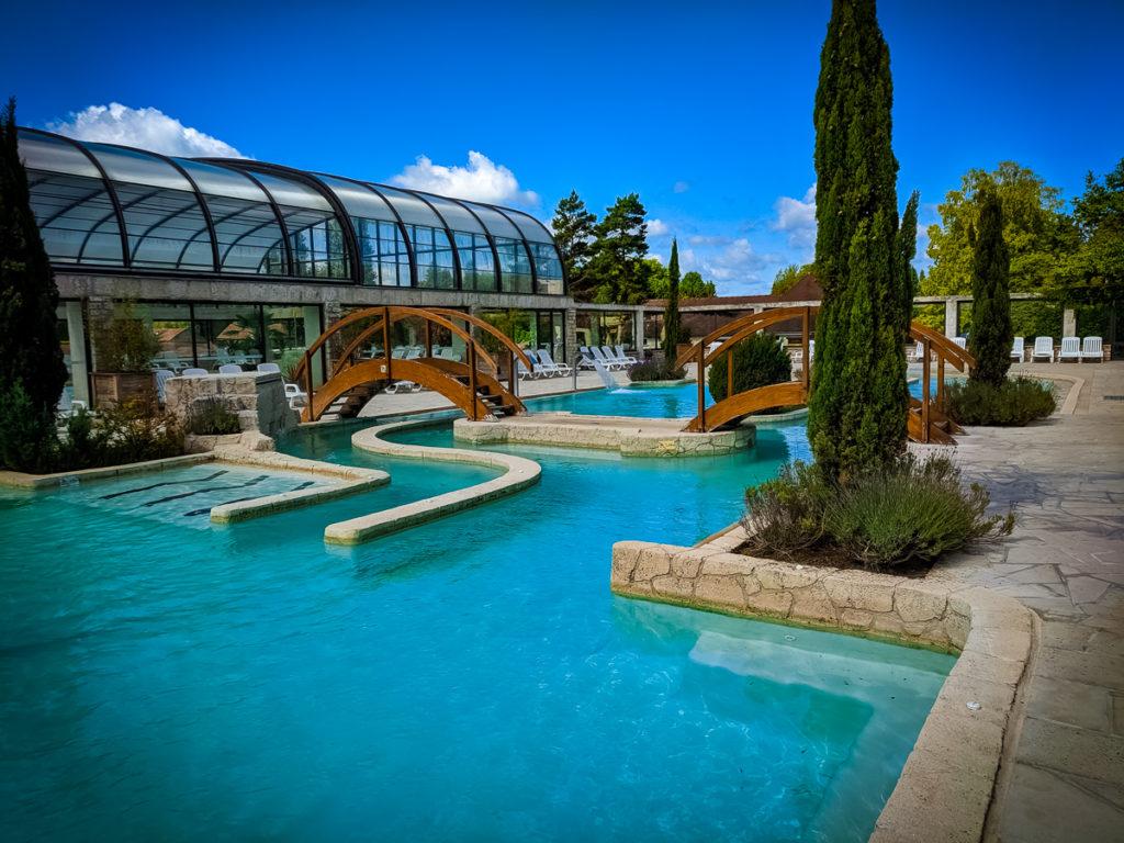 The beautiful blue outdoor pool area at La Croix du vieux pont berny riviere france (60)