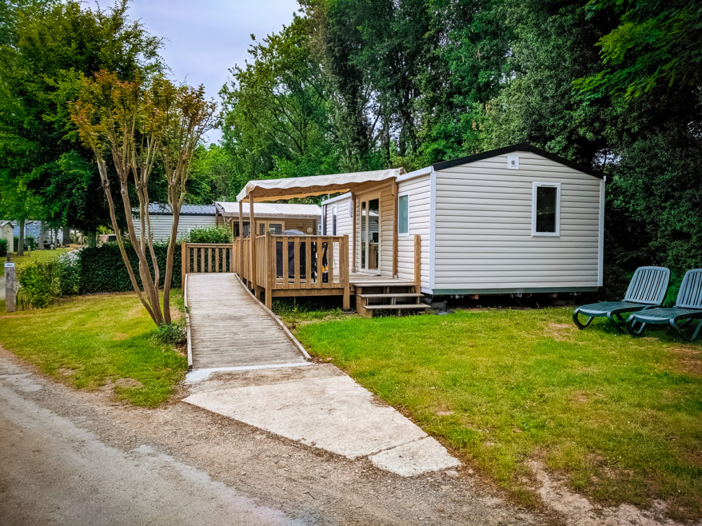 accessible mobile home at castels camping la garangeoire
