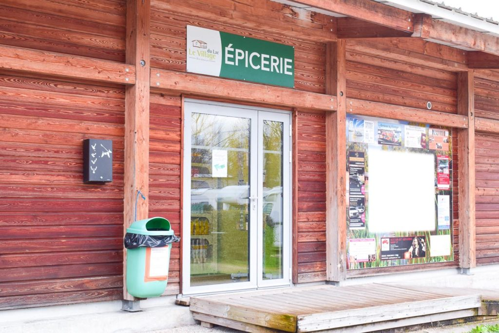 Epicerie at Yelloh Village Camping Bordeaux Lac (24)