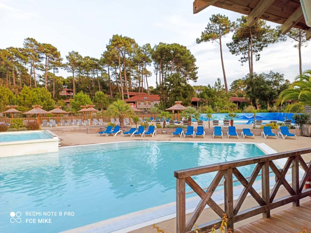 pool area at Camping natureo in Hossegor-05