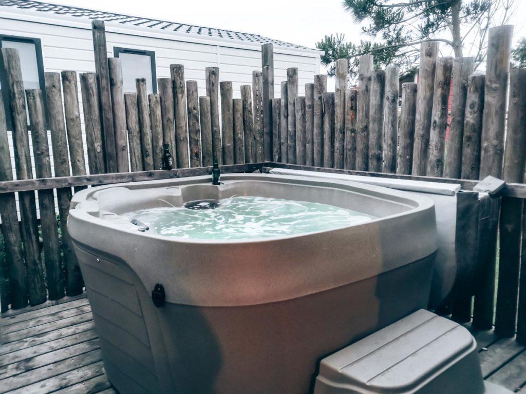 Our hot tub at Gamme duo premium plus at camping L'ocean-19