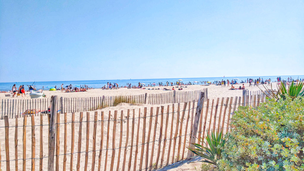 photo of the beach at carnon plage montpellier