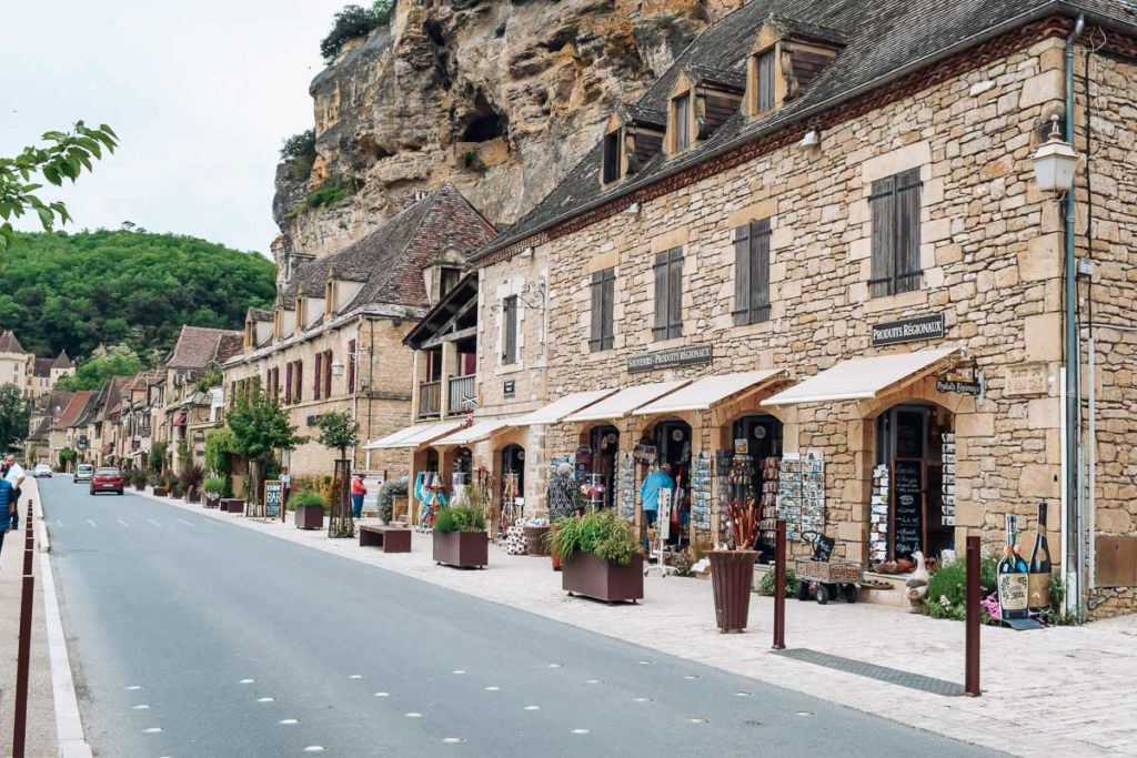 the village streets alongside the road in la roque gageac