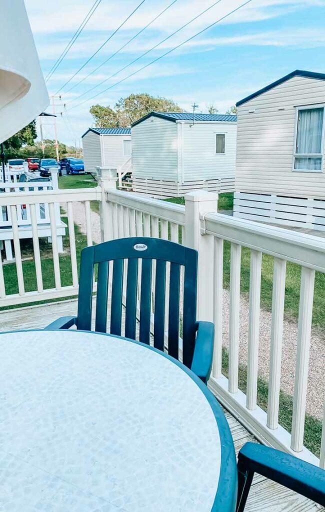 Hoburne-bashley-classic-caravan-outdoor-seating-area