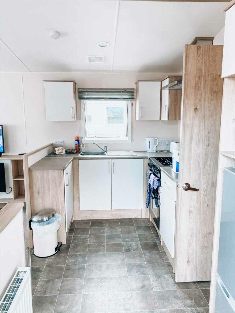 classic-caravan-kitchen-at-hoburne-bashley-holiday-park