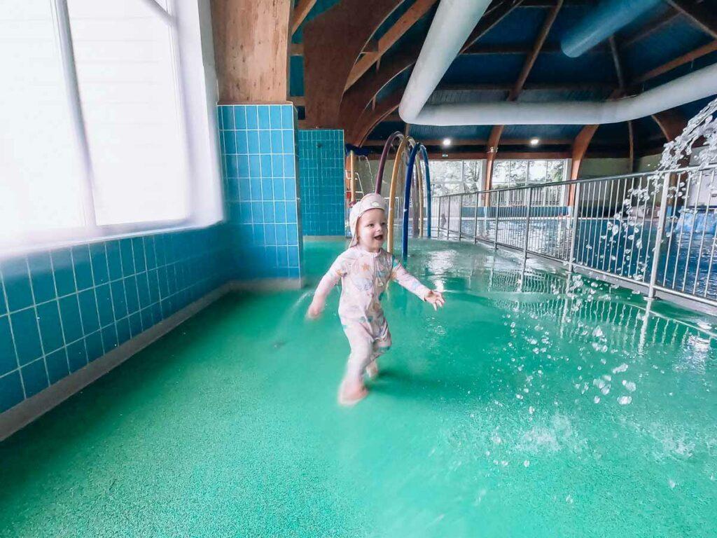 kids-indoor-splash-park-at-hoburne-bashley-park