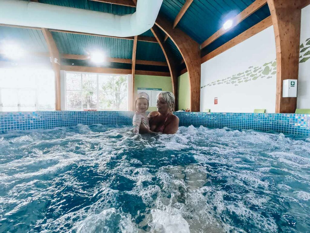 toddler-and-her-nan-at-hoburne-holidays-bashley-holiday-park-swimming-pool-jacuzzi