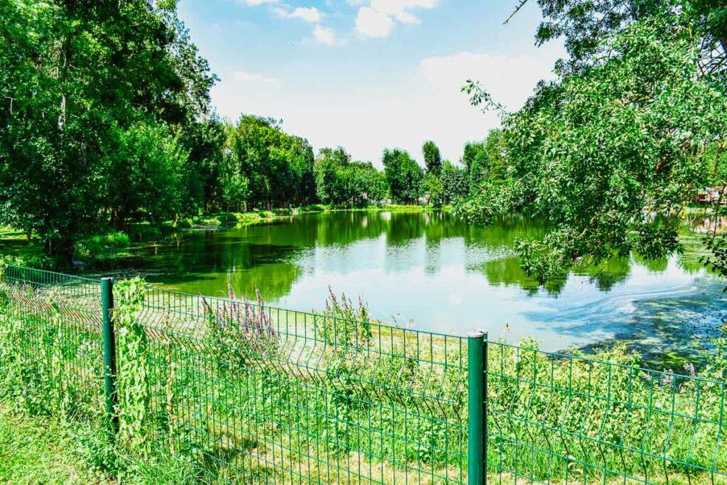 fishing-pond-at-camping-domaine-de-la-breche