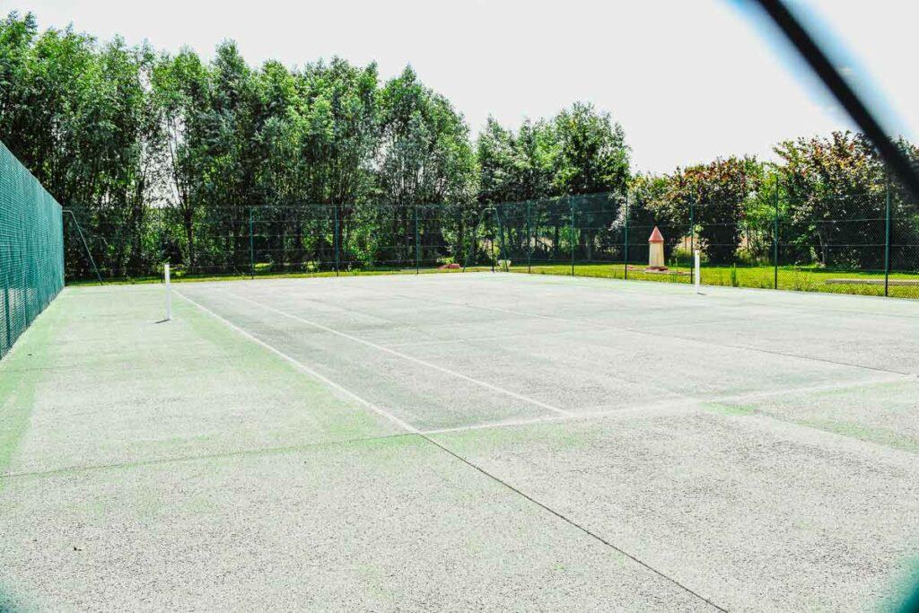 multi-sports-court-at-domaine-de-la-breche-campsite