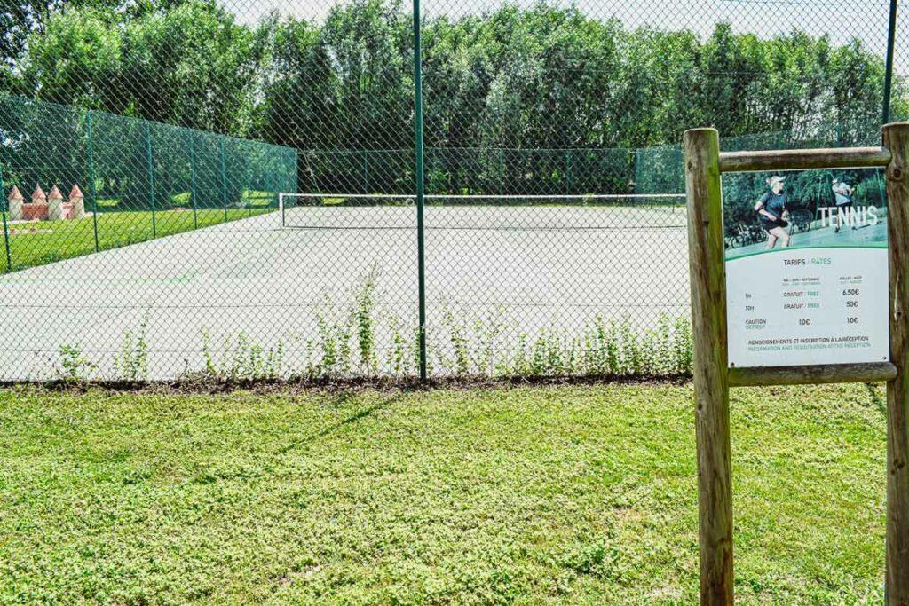 tennis-at-domaine-de-la-breche