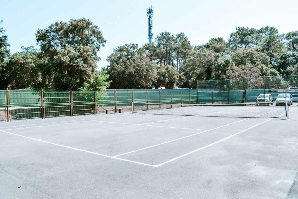 yelloh-village-sylvamar-tennis-court